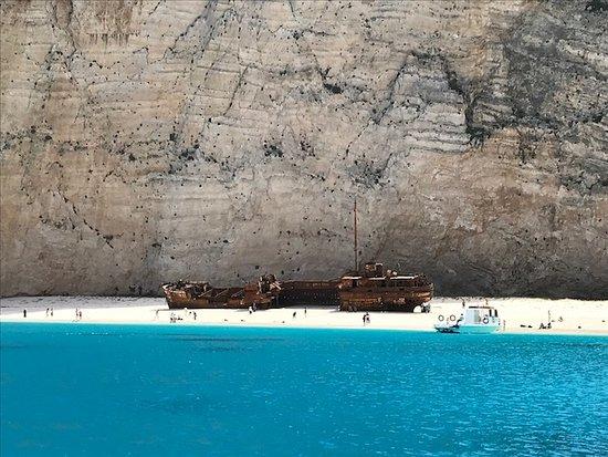 ZanteLimo: Amazing Shipwreck beach.....