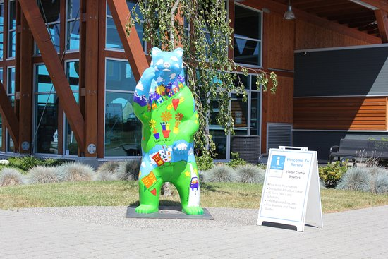 Surrey, Canada: Spirit Bear just waiting to greet you!
