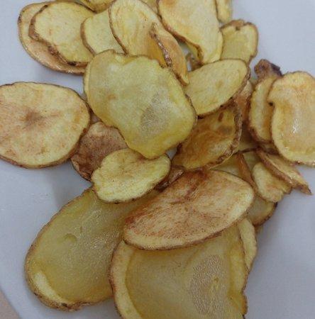 Carpineto della Nora, Italia: Favolose patatine, affettate e fritte al momento