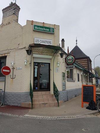 Restaurant Les Canotiers Photo