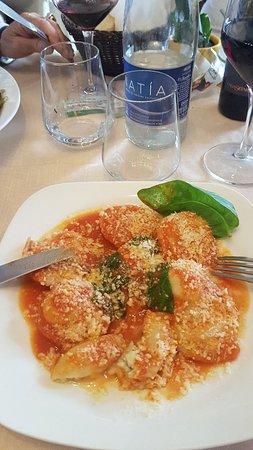 Ristorante Buca di Bacco: Une très bonne surprise que ce très cosi petit restaurant servant des plats italiens typiques.