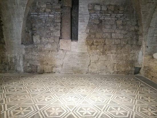 Casa Romana di Vespaia Polla : pavimentazione della casa