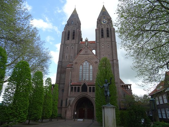 Laren, The Netherlands: Sint Jansbasiliek uit 1924;Wolter ter Riele,architect