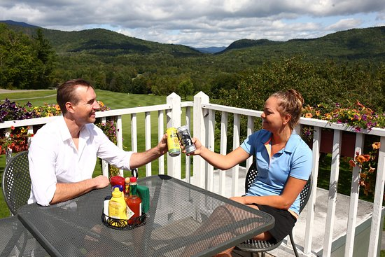 Warren, VT: Hogan's Pub offers Vermont-brewed craft beers in a beautiful mountain location.