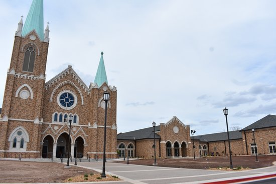Stillwater, OK: Beautiful Front of St. Francis (still needs landscaping