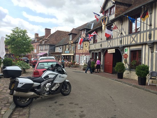 Buckinghamshire, UK: Honfleur