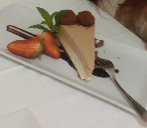Ogliastro Marina, Włochy: cheesecake al cioccolato bianco