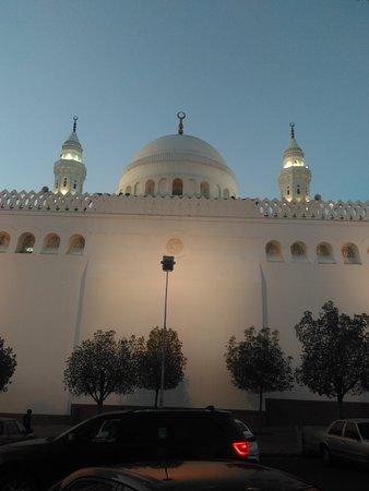 مسجد القبلتين: bagian mesjid ini yang menghadap arab ke ka'bah,