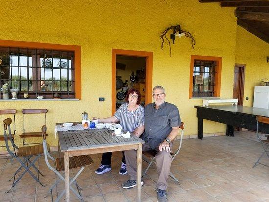 Rocca Grimalda, Italy: Relaxing county feelon terrace