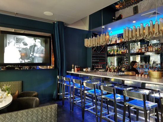 Lovely booths and a great bar - Picture of Chive Sea Bar & Lounge, Savannah  - Tripadvisor