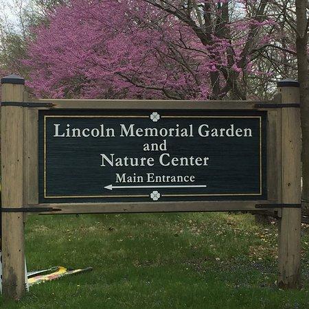 Lincoln Memorial Garden Nature Center