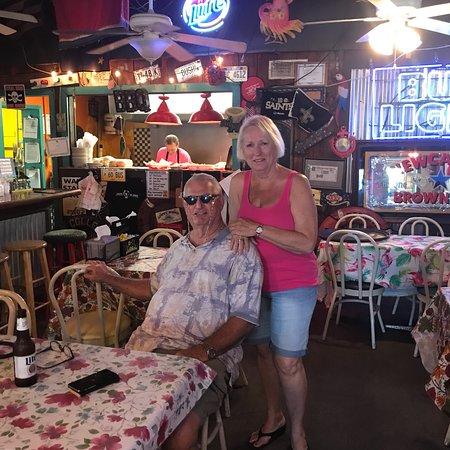 Huck's Cove Marina Bar & Grill: photo7.jpg