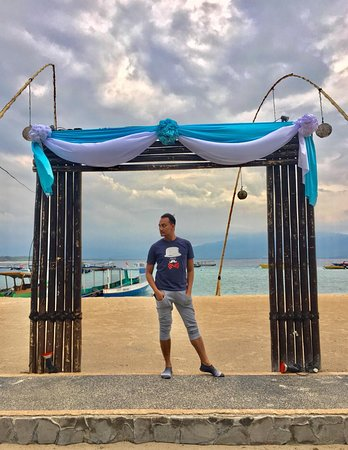 Gili Islands, Indonesia: another frame to tame