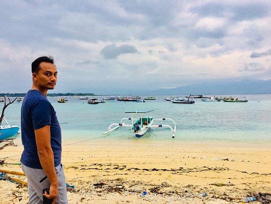 Gili Islands, Indonesia: behind me.....