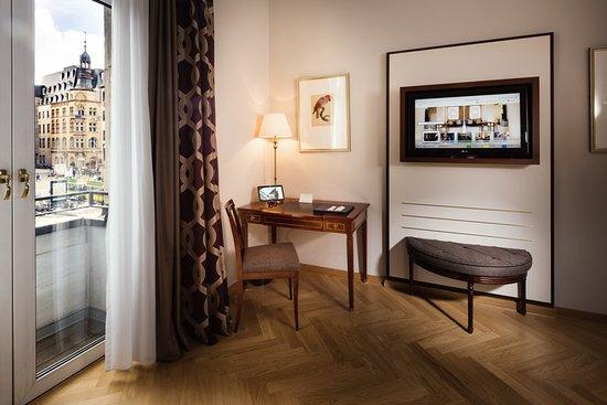 Excelsior Hotel Ernst: Guest room
