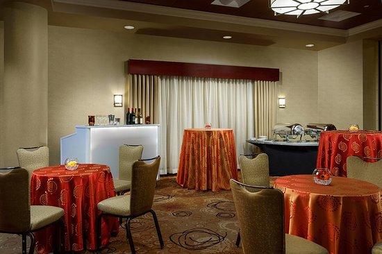 Holiday Inn Charlotte Center City 102 ̶1̶1̶9̶