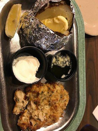 เบลล์เวอร์นอน, เพนซิลเวเนีย: crabcake-too salty