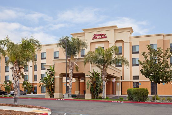 Hampton Inn & Suites Clovis - Airport North: Exterior of Hotel