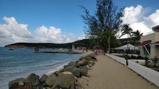 Dickenson Bay: beach side
