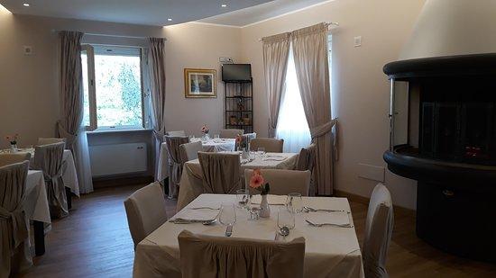 Valtopina, Italia: Sala colazione_large.jpg