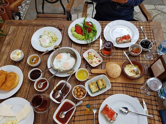 Adatepe, Turkey: Kahvaltı