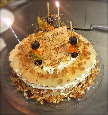 Coulandon, Prancis: Gâteau d'anniversaire