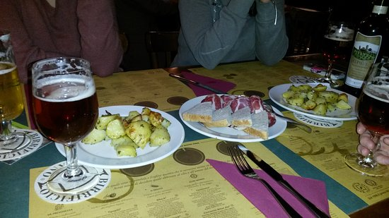 Birrificio di Lurago Marinone_birre, omaggio d'entrata e patate al forno