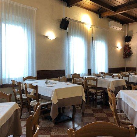 Roverbella, إيطاليا: photo0.jpg