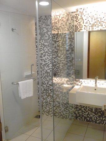 The Everly Putrajaya: No Bathtubs yea