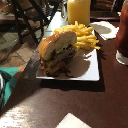 Burger House Hamburgueria: photo1.jpg