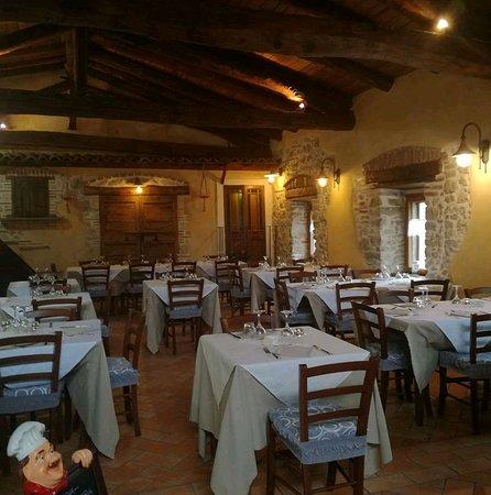 Sante Marie, Italy: La sala al primo piano