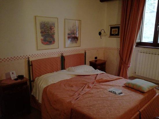 Stroncone, Italie : IMG_20180429_143806_large.jpg