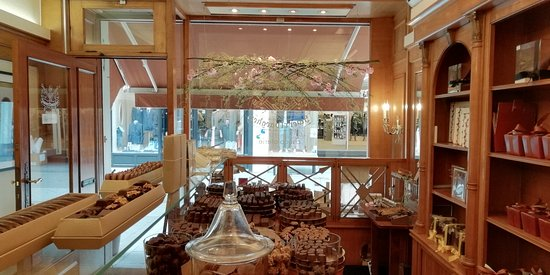 Kortrijk, België: Immerse yourself in the cosy atmosphere and the delicious chocolate flavours...