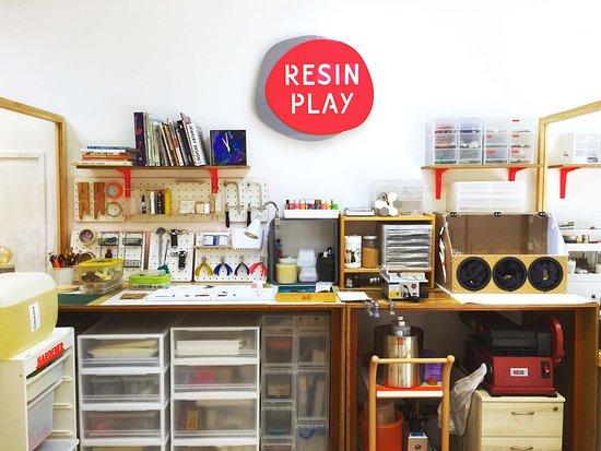 Resin Play
