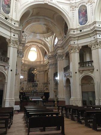Piova Massaia, Италия: Una veduta interna della chiesa