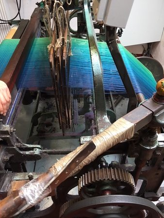 Tuamgraney, Ireland: Side view of warp - love the colors