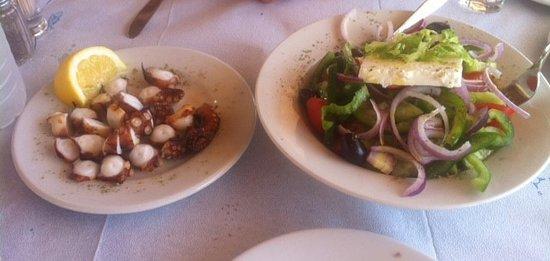 Remetzo: Grilled octopus & Greek salad