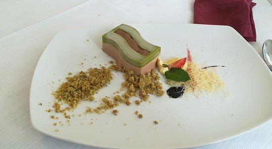 Alla Pineta: Semifreddo al cioccolato al latte e pistacchio