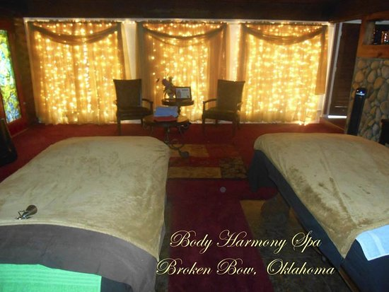 Broken Bow, OK: The Body Harmony Session experience features the Body Harmony Instrument Bed. Speakers inside Be
