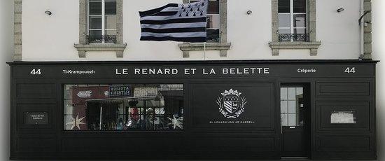 Le Renard et la Belette
