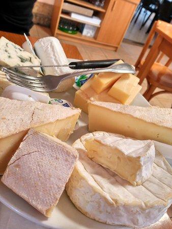 Francueil, France: Tabla de quesos