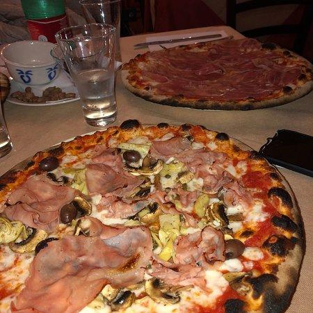 Pizzeria La Vecchia Gioia Picture