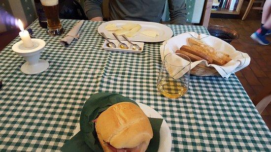 Pietramurata, Italia: Panino farcito secondo i miei gusti _large.jpg