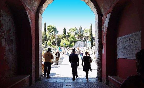 Peschiera del Garda, Italia: Esposizioni d'Arte Il terzo sabato e la terza domenica di ogni mese.