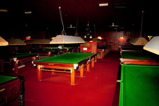Salisbury, UK: The clean quiet well maintained Snooker Hall