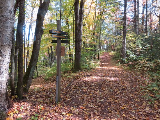 Sainte-Beatrix, Kanada: Sentiers
