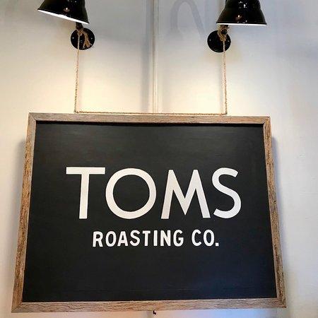 Tom's: Signage