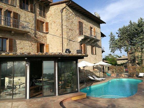 Castel Rigone, Italy: IMG_20180428_182343_large.jpg