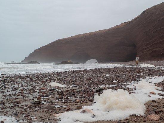 Legzira Beach: schäumendes Meer