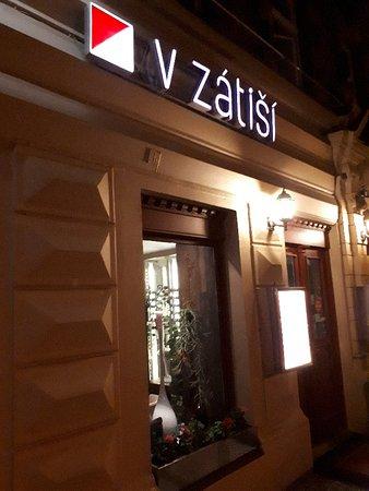 V Zátiší: Inngangspartiet..meget hyggelig sted